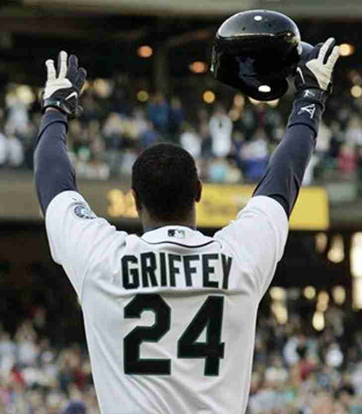 The Baseball Hall of Fame Class of 2016 is announced!  Griffey and Piazza are in!
